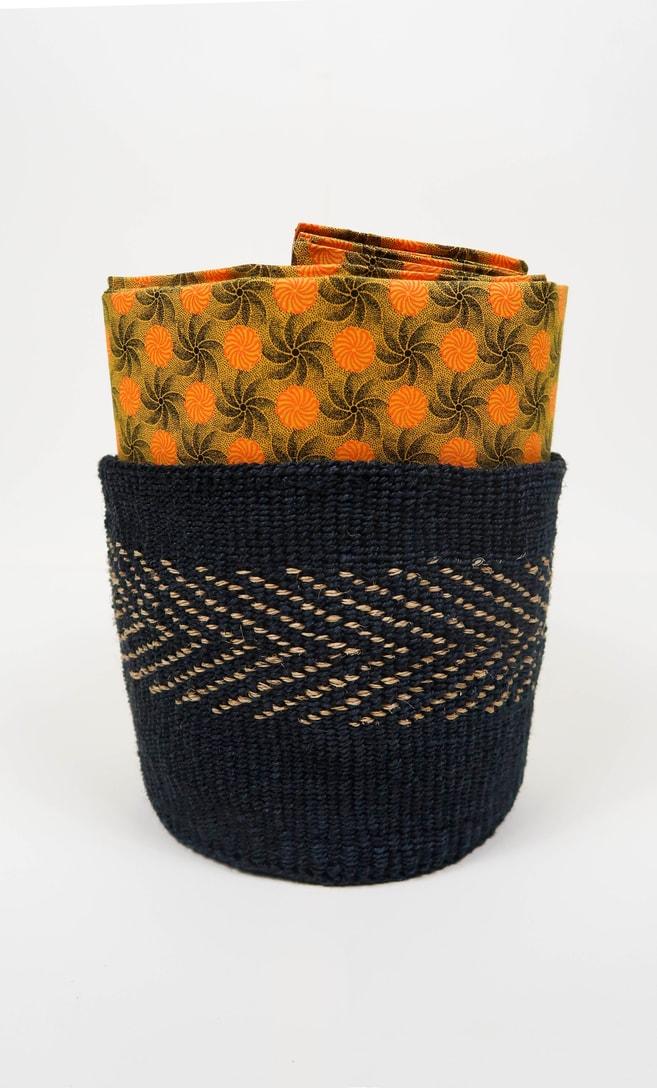 cesta midnight in fibre naturali realizzata in Kenya dagli artigiani africani scatto 4