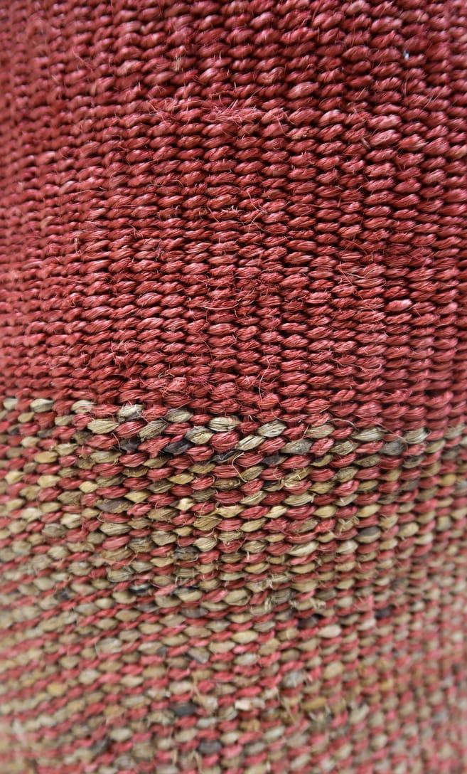 cesta rusty in fibre naturali realizzata in Kenya dagli artigiani africani scatto 5