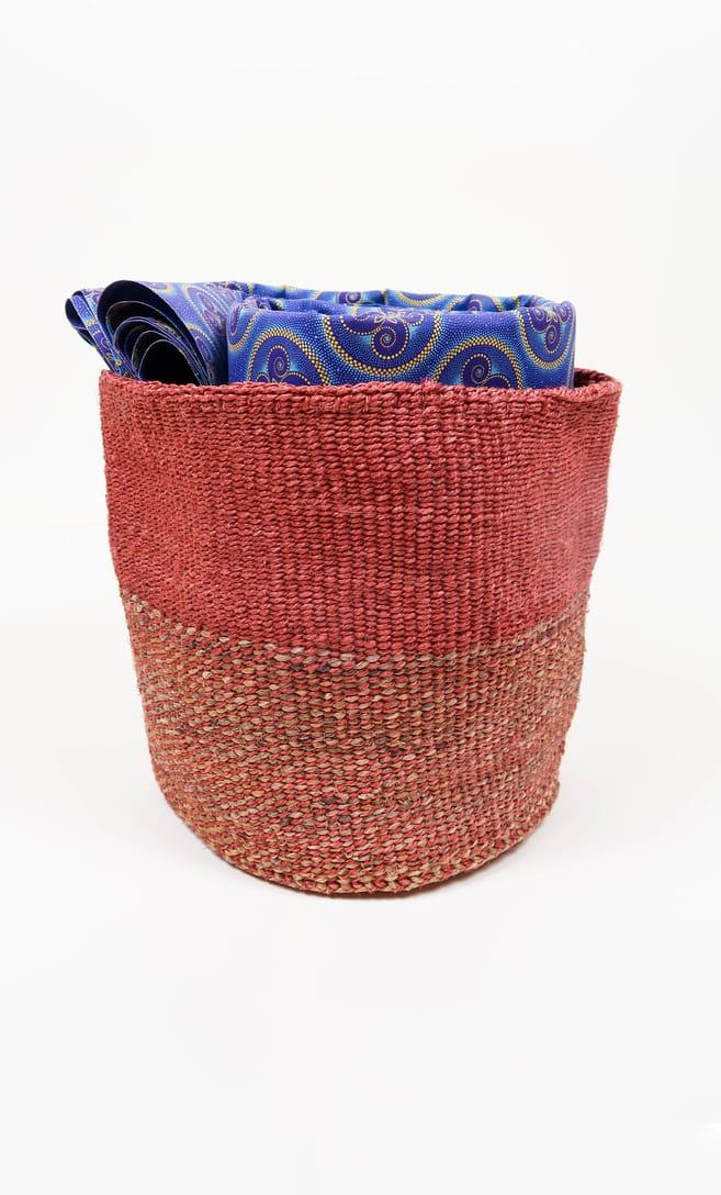 cesta rusty in fibre naturali realizzata in Kenya dagli artigiani africani scatto 3