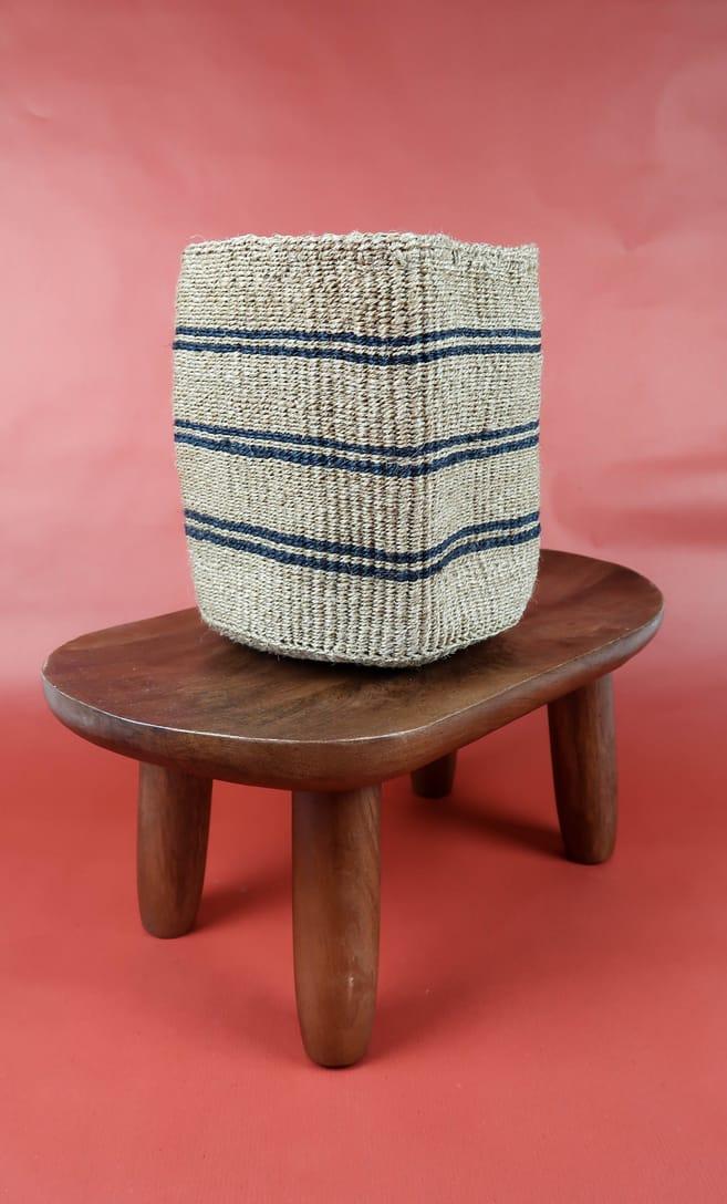 cesta spiaggia in fibre naturali realizzata in Kenya dagli artigiani africani scatto 2