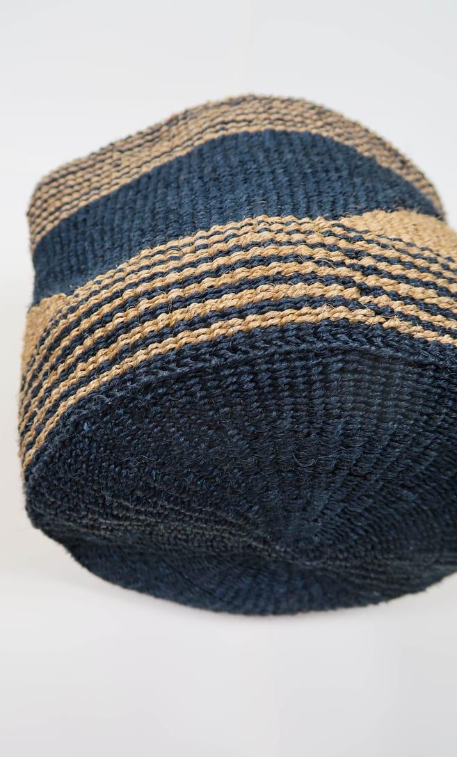 cesta sabbia in fibre naturali realizzata in Kenya dagli artigiani africani scatto 6