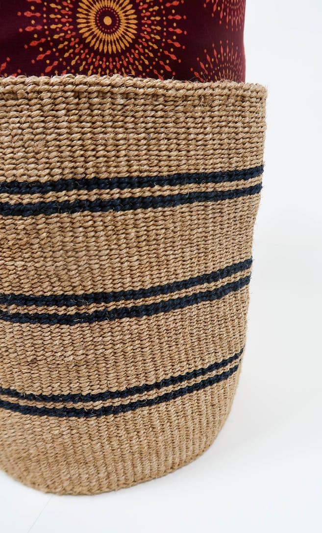 cesta spiaggia in fibre naturali realizzata in Kenya dagli artigiani africani scatto 4