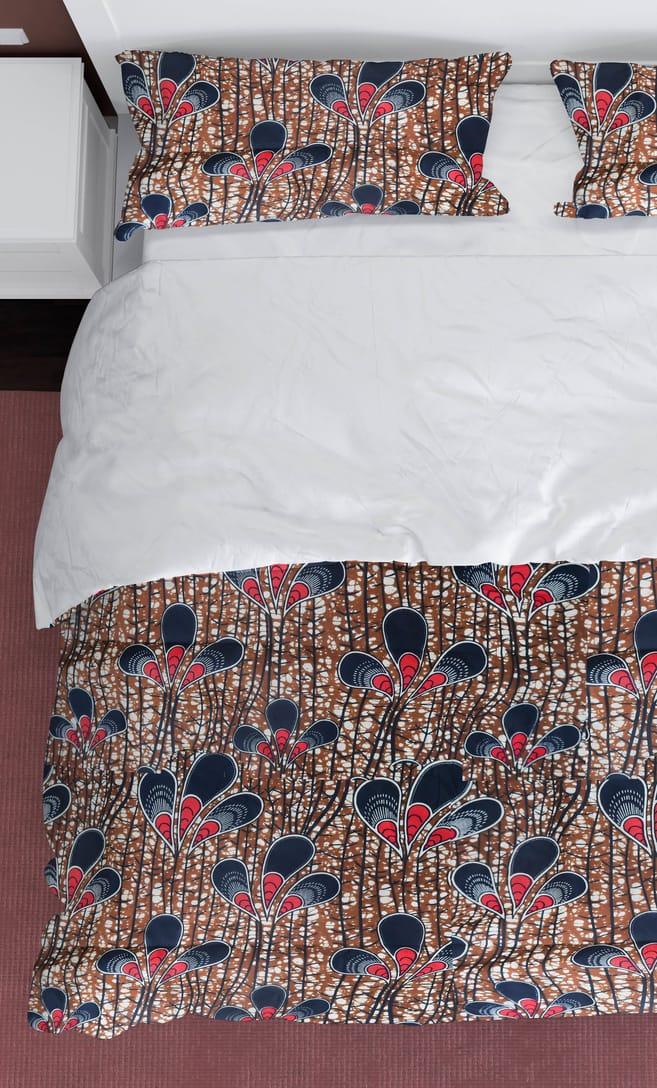 copripiumino pavone realizzato con stoffa wax in cotone originaria della Tanzania scatto 2