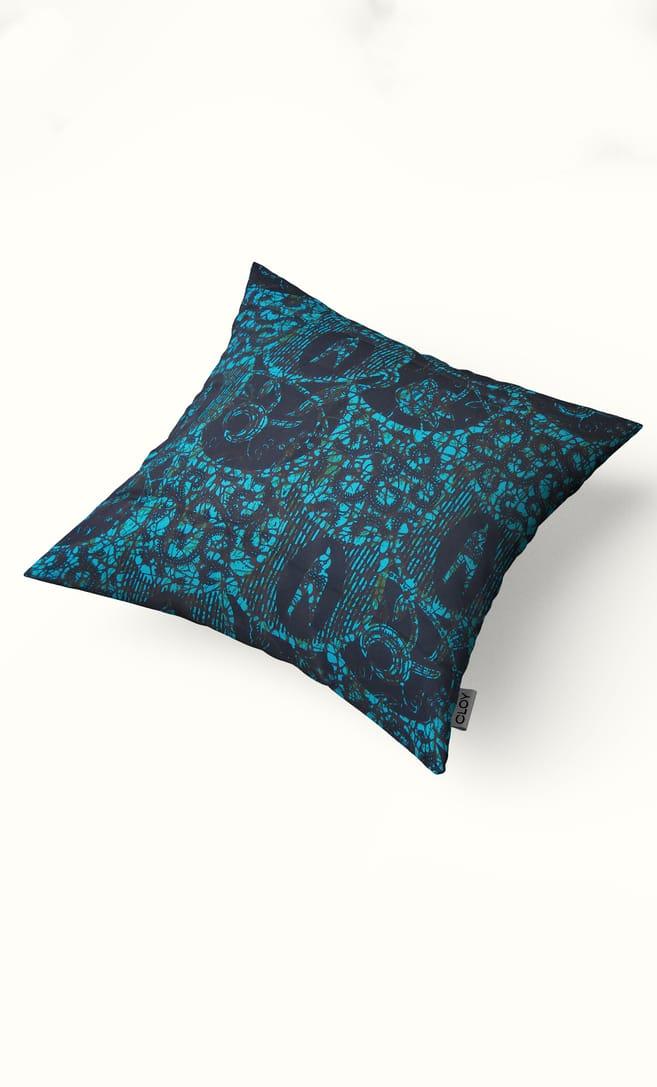 cuscino abisso con federa in stoffa wax realizzata in Tanzania scatto 2