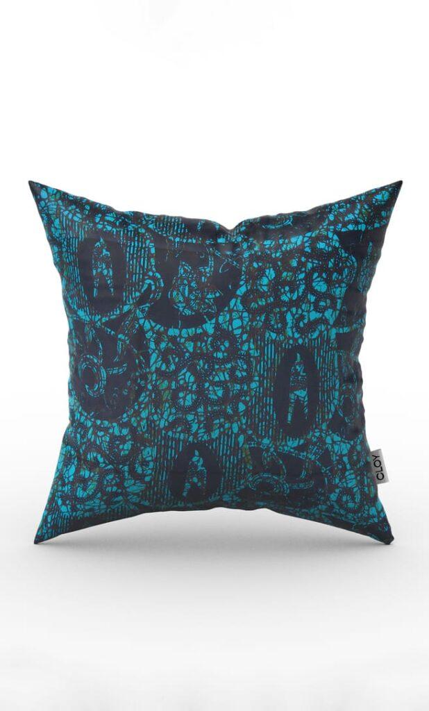 cuscino abisso con federa in stoffa wax realizzata in Tanzania scatto 1