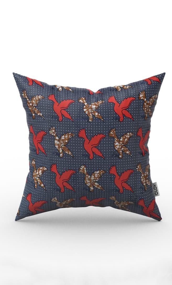 cuscino kiwi con federa in stoffa wax realizzata in Tanzania scatto 1