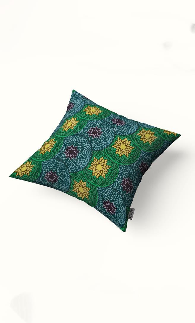 cuscino kiwi con federa in stoffa wax realizzata in Tanzania scatto 2