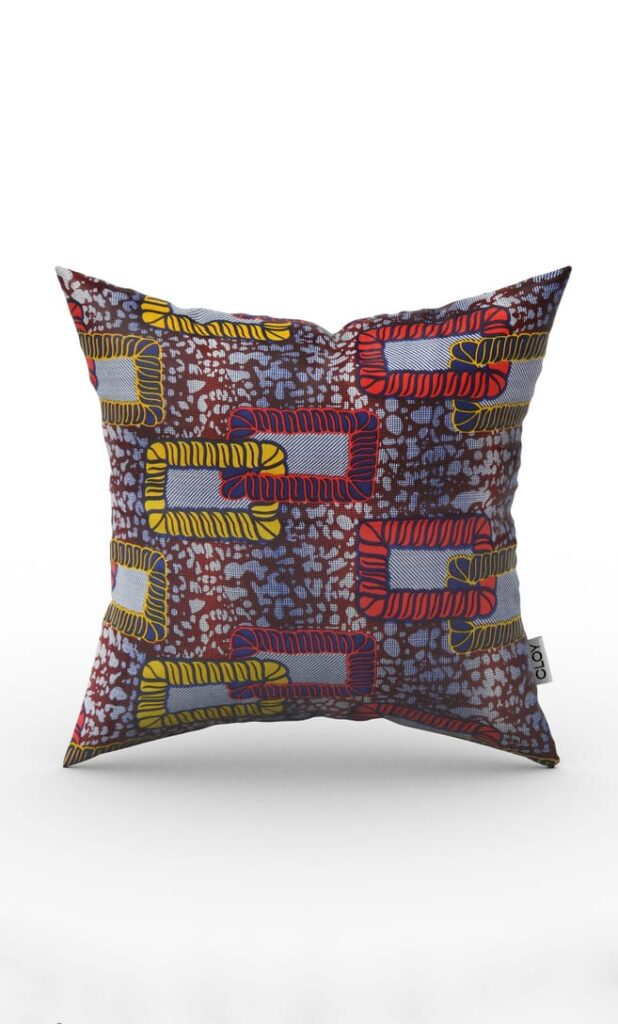 cuscino legame con federa in stoffa wax realizzata in Tanzania scatto 1