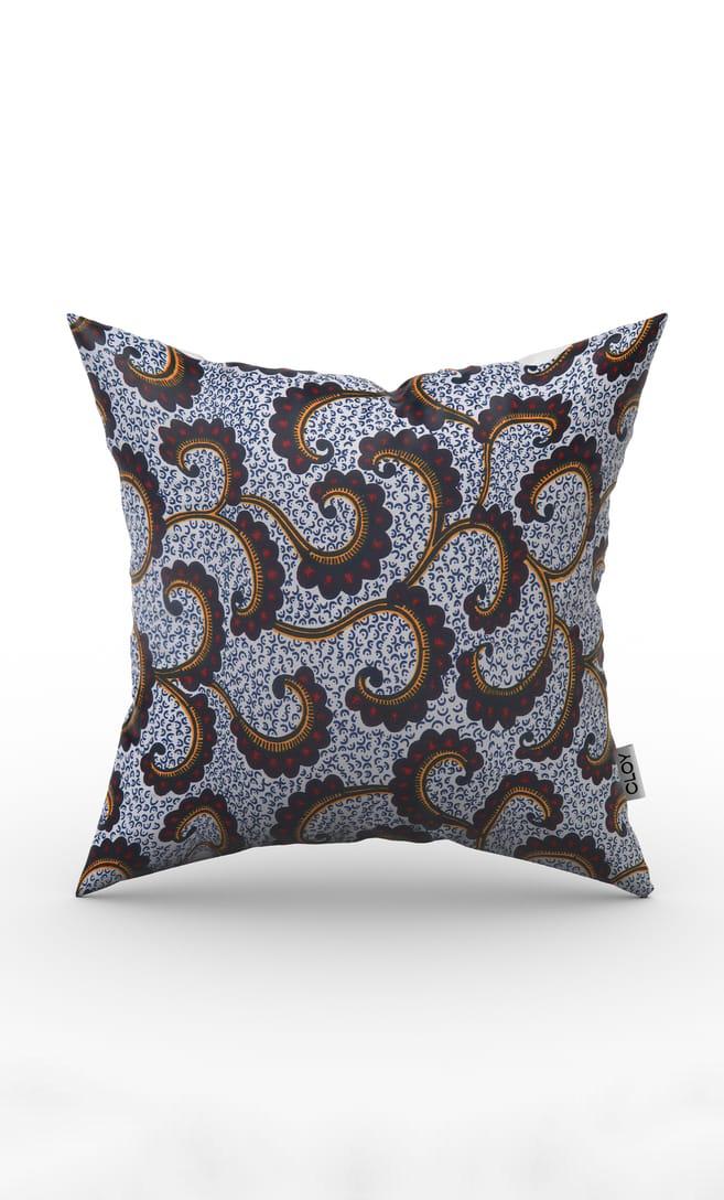 cuscino onda con federa in stoffa wax realizzata in Tanzania scatto 1