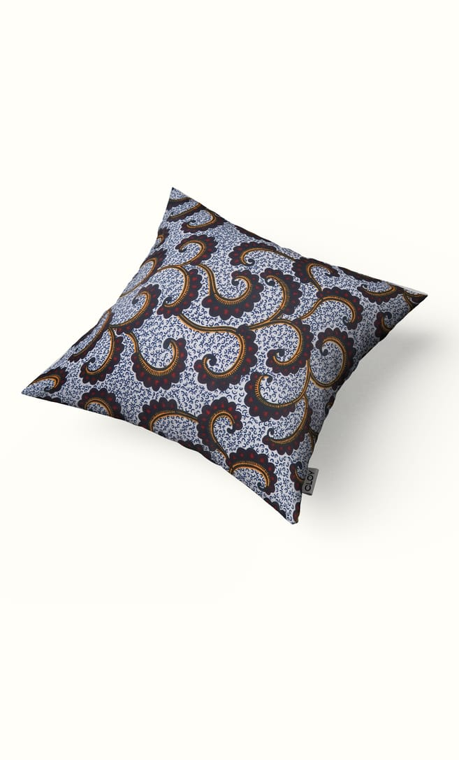 cuscino onda con federa in stoffa wax realizzata in Tanzania scatto 2