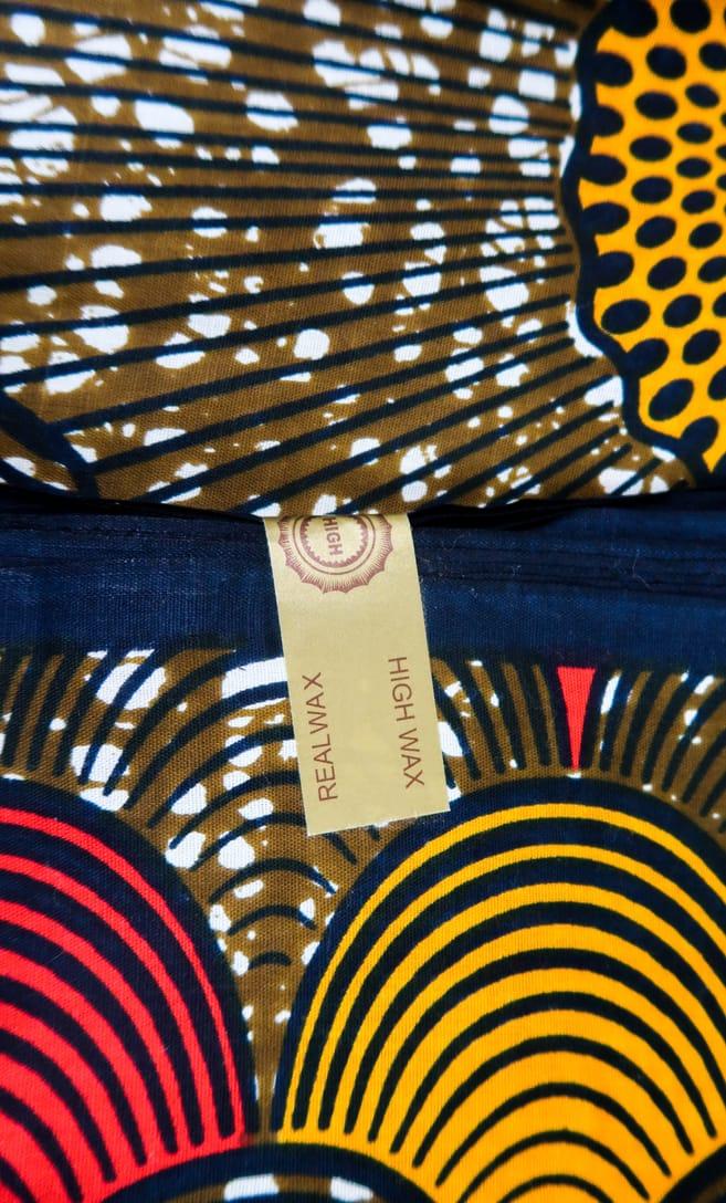 tessuto wax conchiglia 100% cotone di alta qualità made in Tanzania scatto 4