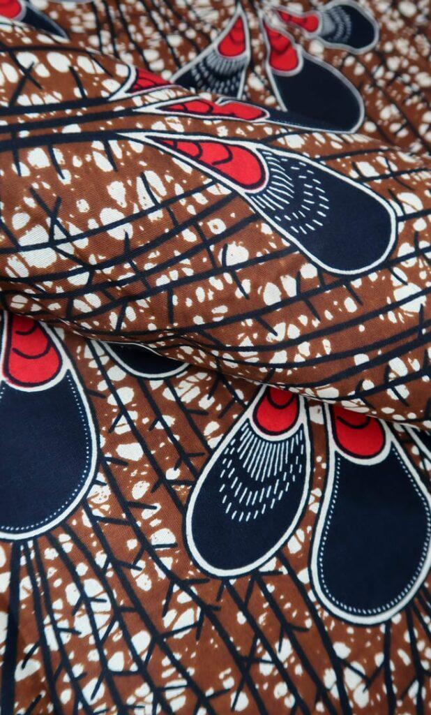tessuto wax pavone 100% cotone di alta qualità made in Tanzania scatto 2