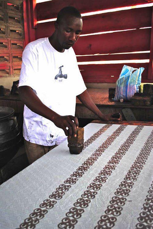 Stoffa africana Adinkra originaria della Costa d'Avorio moderna