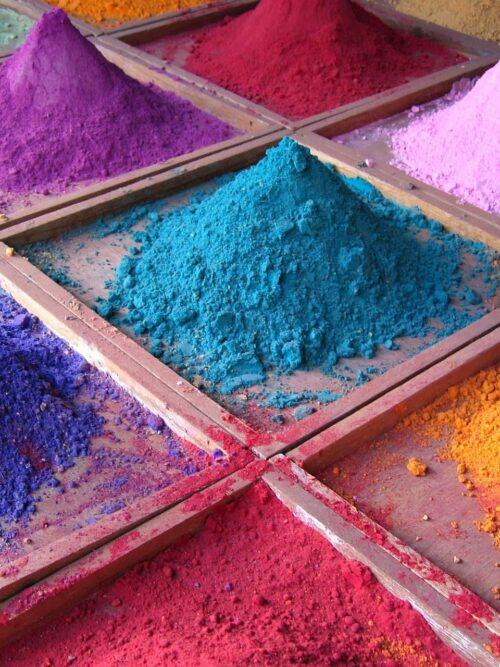Indossa i colori della primavere-estate 2021 con i tessuti africani di CLOY