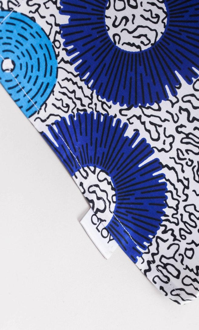 copriletto bolle realizzato con stoffa wax in cotone originaria della Tanzania scatto 2