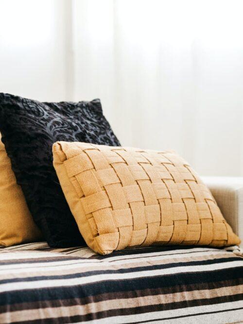 Cuscini da divano: un utilissimo accessorio d'arredamento!